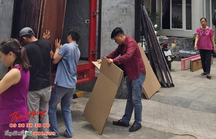 Thành Hưng cung cấp các dịch vụ thuê xe chuyển nhà uy tín và an toàn trong quá trình vận chuyển
